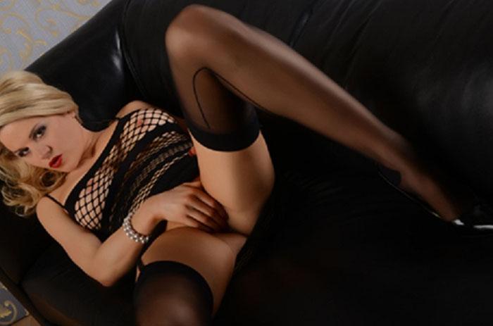 privates livechat luder zeigt sich ganz erotisch im camchat